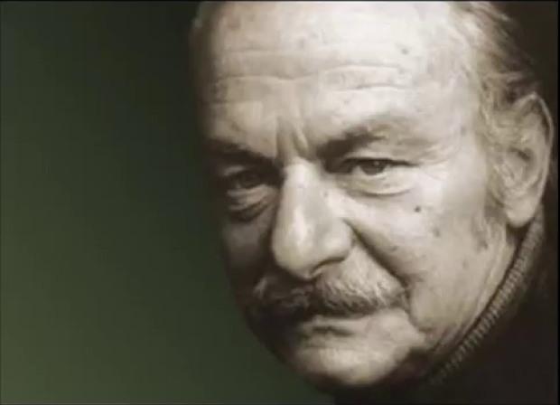 MELİH CEVDET ANDAY KAPI ( 13 Mart 1915 - 28 Kasım 2002) Anısına Saygıyla….