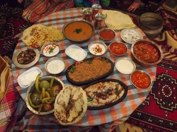 Bayram Yemeği - Cahit Sıtkı Tarancı